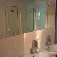 Мини-отель Лондон Стандартный номер с двуспальной кроватью (общая ванная комната)