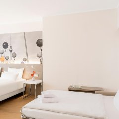 Отель NH Collection Berlin Mitte Am Checkpoint Charlie 4* Стандартный номер с разными типами кроватей фото 23