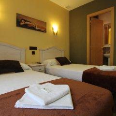 Отель Hostal Regio Номер категории Эконом с различными типами кроватей фото 4