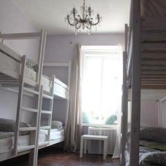 Hostel DomZhur Кровать в общем номере с двухъярусными кроватями фото 4
