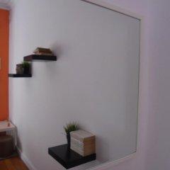 Отель Alfama 3B - Balby's Bed&Breakfast Стандартный номер с 2 отдельными кроватями (общая ванная комната) фото 34