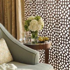 Отель The Ritz-Carlton, Dubai Улучшенный номер с различными типами кроватей фото 3