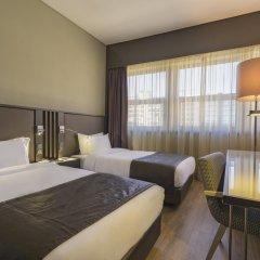 Отель HF Fénix Lisboa 4* Номер Комфорт с 2 отдельными кроватями фото 4
