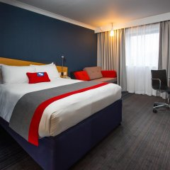 Отель Holiday Inn Express Glasgow City Centre Riverside 3* Стандартный номер с различными типами кроватей фото 5