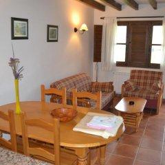 Отель Apartamentos Rurales La Fuente de Báscones комната для гостей фото 2