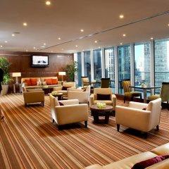 Отель Боннингтон Джумейра Лейкс Тауэрс гостиничный бар фото 3
