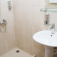 Отель Comfort House Hotel and Tours Армения, Ереван - 3 отзыва об отеле, цены и фото номеров - забронировать отель Comfort House Hotel and Tours онлайн ванная