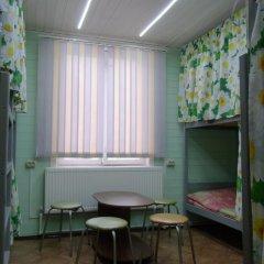 Hostel Favorit Кровать в общем номере с двухъярусной кроватью фото 17