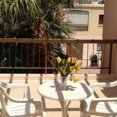 Отель Constantaras Apartments Кипр, Протарас - отзывы, цены и фото номеров - забронировать отель Constantaras Apartments онлайн балкон