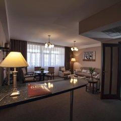 Hotel Classic 4* Люкс с разными типами кроватей фото 11