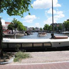 Отель Amsterdam Canal Guest Apartment Нидерланды, Амстердам - отзывы, цены и фото номеров - забронировать отель Amsterdam Canal Guest Apartment онлайн приотельная территория фото 2