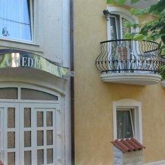 Отель Villa Mediterran Венгрия, Хевиз - 1 отзыв об отеле, цены и фото номеров - забронировать отель Villa Mediterran онлайн вид на фасад фото 5