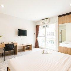 Отель The Fifth Residence 3* Улучшенный номер с двуспальной кроватью фото 2