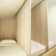 Отель 5footway.inn Project Boat Quay 2* Кровать в общем номере с двухъярусной кроватью фото 5