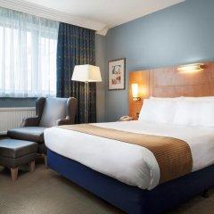 Отель Holiday Inn London Kensington Forum 4* Люкс с различными типами кроватей фото 14