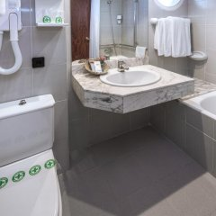Отель Casablanca Playa Испания, Салоу - 1 отзыв об отеле, цены и фото номеров - забронировать отель Casablanca Playa онлайн ванная фото 2