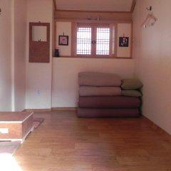 Отель Gain Hanok Guesthouse комната для гостей фото 3