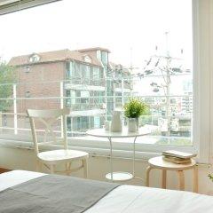 Отель The Mei Haus Hongdae 3* Стандартный семейный номер с двуспальной кроватью фото 4
