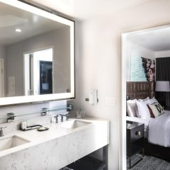 Отель Le Montrose Suite Hotel США, Уэст-Голливуд - отзывы, цены и фото номеров - забронировать отель Le Montrose Suite Hotel онлайн ванная