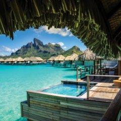 Отель Four Seasons Resort Bora Bora 5* Бунгало с различными типами кроватей фото 11