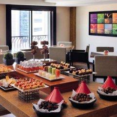 Avani Deira Dubai Hotel 5* Стандартный номер с различными типами кроватей