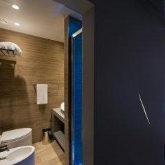 Отель Torre Argentina Relais - Residenze di Charme 3* Стандартный семейный номер с двуспальной кроватью фото 2