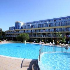 Отель Koral Болгария, Св. Константин и Елена - 1 отзыв об отеле, цены и фото номеров - забронировать отель Koral онлайн бассейн фото 2