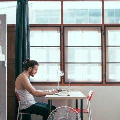 Petit Hostel Кровать в общем номере с двухъярусной кроватью фото 9