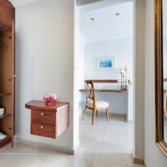 Villa Renos Hotel 4* Улучшенный номер с различными типами кроватей фото 4