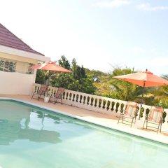 Отель Sea Grove Villa бассейн фото 2