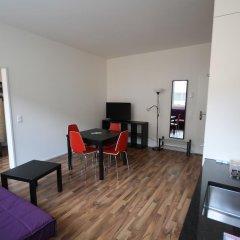 Апартаменты HITrental Badenerstrasse Apartments комната для гостей фото 4