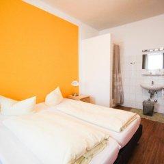 Отель Pension/Guesthouse am Hauptbahnhof Стандартный номер с двуспальной кроватью (общая ванная комната) фото 32