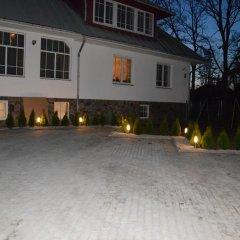 Отель Kapucino Латвия, Юрмала - отзывы, цены и фото номеров - забронировать отель Kapucino онлайн парковка