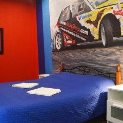 Hostel Racing Paradise Стандартный номер с различными типами кроватей фото 17