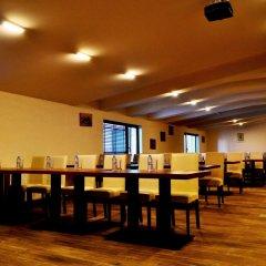Отель Forest Nook Aparthotel Болгария, Пампорово - отзывы, цены и фото номеров - забронировать отель Forest Nook Aparthotel онлайн гостиничный бар