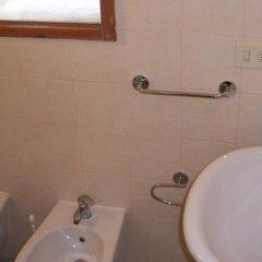 Отель Guest House La Torre Nomipesciolini Италия, Сан-Джиминьяно - отзывы, цены и фото номеров - забронировать отель Guest House La Torre Nomipesciolini онлайн ванная