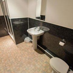 Отель The Kings Arms ванная