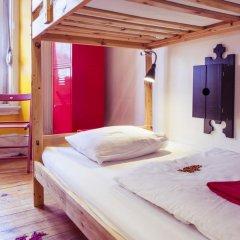 Lisbon Chillout Hostel Кровать в общем номере фото 2