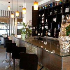 Hotel Embarcadero de Calahonda de Granada гостиничный бар
