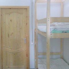 Хостел Wishka Стандартный номер с двуспальной кроватью (общая ванная комната) фото 2