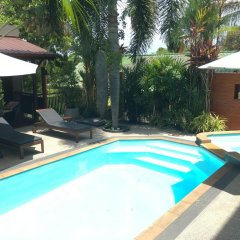 Отель Baan Andaman Sea Surf бассейн