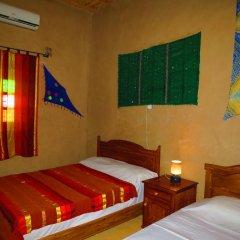 Отель Merzouga Riad and Bivouac Excursion Марокко, Мерзуга - отзывы, цены и фото номеров - забронировать отель Merzouga Riad and Bivouac Excursion онлайн комната для гостей фото 2