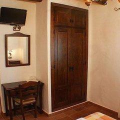 Отель Hostal Torre de Guzman Испания, Кониль-де-ла-Фронтера - отзывы, цены и фото номеров - забронировать отель Hostal Torre de Guzman онлайн удобства в номере