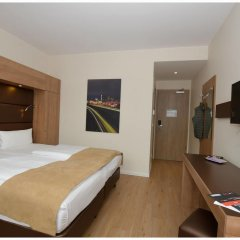 Отель Motel Plus Berlin 3* Стандартный семейный номер с различными типами кроватей фото 13