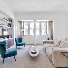 Отель Rue du Louvre - Luxury apartment Франция, Париж - отзывы, цены и фото номеров - забронировать отель Rue du Louvre - Luxury apartment онлайн комната для гостей фото 4