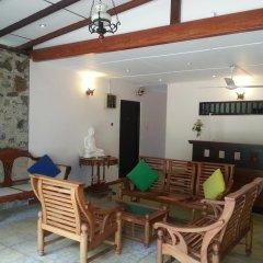 Отель Thiranagama Beach Hotel Шри-Ланка, Хиккадува - отзывы, цены и фото номеров - забронировать отель Thiranagama Beach Hotel онлайн питание