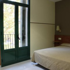 Отель El Jardin Испания, Барселона - отзывы, цены и фото номеров - забронировать отель El Jardin онлайн комната для гостей фото 3