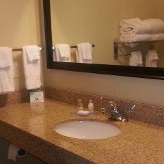 Отель Cobblestone Inn & Suites - Bloomfield 2* Стандартный номер с различными типами кроватей фото 2