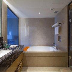 Отель Holiday Inn Chengdu Oriental Plaza 4* Улучшенный номер с различными типами кроватей фото 4