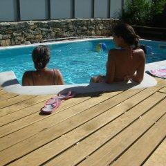 Отель Casa do Rio Fervença бассейн